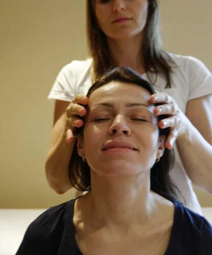 Speciální tlaková masáž pro rychlé odstranění bolesti hlavy photo review